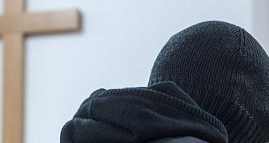 اڳوڻي پادري خلاف ٻارن جي زيادتي جي الزامن جي تصوير